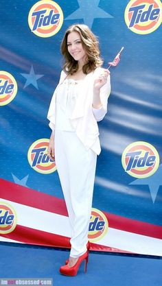 #Smash's Katharine McPhee looked gorgeous at Tide's My Story: Our Flag: http://www.imnotobsessed.com/2012/07/05/katherine-mcphee-celebrates-the-fourth-in-style/