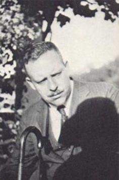 Wallace Stevens: La relación entre poesía y pintura -   Read Ignoria: http://bibliotecaignoria.blogspot.com/2013/04/wallace-stevens-la-relacion-entre.html#ixzz2RI89b0Vs