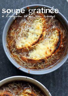 Soupe gratinée à l'oignon et au vin rouge- Onion and red wine soup