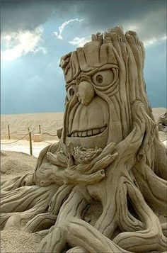 """tree of """"life"""" in the sand ... awesome!"""