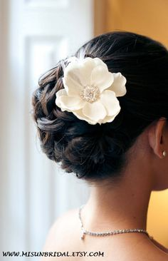 Petite Ivory Flower with rhinestone and feathers / ivory hair flower / ivory flower hair clip / ivory bridal flower