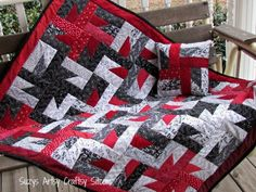 We love the 'motion', the contrast, and the beatiful design of this quilt by Suzy Myers of Suzy's Artsy-Craftsy Sitcom.  If you're a beginner looking for a challenging but doable project or if you're a veteran quilter with a couple days to put something together, this is the project for you!  Bust out your favorite jelly rolls and let's cut loose!  http://www.freequiltpatterns.info/free-pattern---windmills-at-night-quilt-by-susan.htm