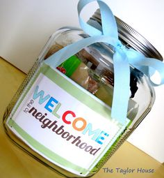 How to Welcome a New Neighbor! New Neighbor Gift Idea #giftinajar #thetaylorhouse