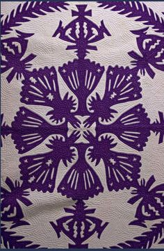close up, Hawaiian applique quilt circa 1930, showing echo quilting, at Stella Rubin Antiques
