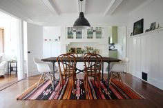 dining rooms, chair, california homes, dine room, dining room rugs, white walls, house art, kitchen, design