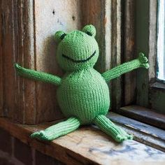 Froggy by Emily Kintigh.  Free Pattern!