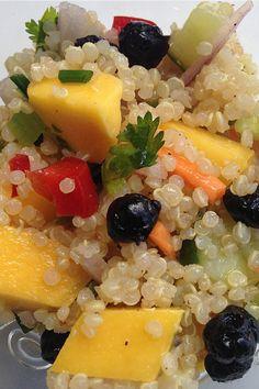 Mango Quinoa Salad at reluctantentertainer.com