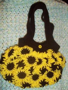 Sunflower Happiness – a crochet rug (afghan) pattern