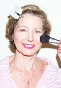 Make up tips...........for mature women. Not trying to be 20 yrs younger, just want to look as good as possible.
