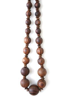 Vintage Wood Bead Boho Necklace. $16.00, via Etsy. #vintage #shopping #etsy #fashion #style #jewelry #accessories #trends #wood #fall #nature