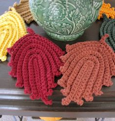 Autumn Leaves Dish Cloth and Hot Pad ~ I received one of these as a gift and it's wonderful...love it ~ free pattern