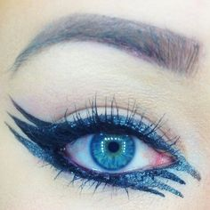 Stunning triple winged look for the an eye popping dramatic look.