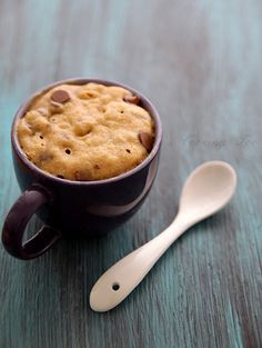 choc chip cookie in a mug, cake, chocolate chips, chocol chip