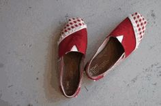 Fix a little hole in your shoe with this Simple Shoe Makeover idea. #DIY #Toms