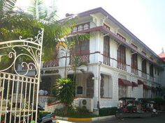 Ancestral house in Malolos Mestizo District (Photo from Traveller on Foot blogspot)