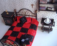 Vintage Crochet Bed Spread  Colcha de ganchillo by miniaturasmjose, $13.00
