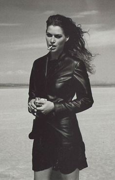 Carre Otis in leather and with attitude