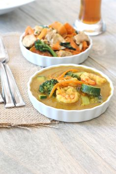 Thai yellow curry with prawns