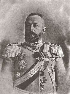 At the start of WW I, the Russian General Aleksander Samsonov was ordered to lead against the German front. He had never been a frontline commander. When he got to the front he had no idea where the Germans were or what he was supposed to do. The Germans smashed the Russians, and Samsonov, losing all hope for his army, rode off to the front to die in battle. Failing to accomplish even that, he committed suicide.