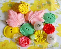 Vintage button inspiration. Amazing colours!