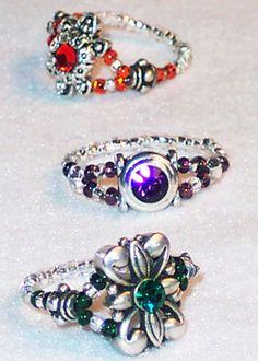 Free Ring Patterns http://www.perlesandco.co.uk/Flower_Square_Ring-s-12-3.html
