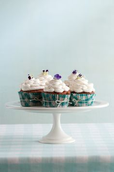 Carrot Cupcakes with Mascarpone Frosting