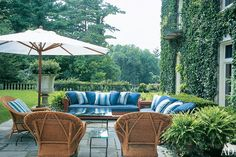 Relaxed seating great for entertaining.