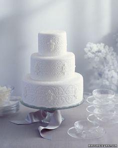 Icy and Elegant Wedding Cake #wedding #cake #winter #inspiration #details