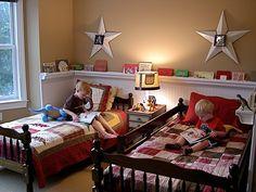 love this boys' bedroom idea!