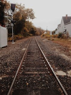 Maine Road Trip - Railroad Tracks | Inspired by: The Connor #ClubMonacoChinos