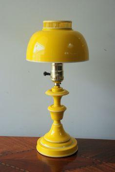 Love this vintage desk lamp