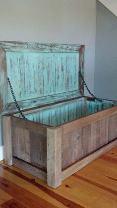Trunk reclaimed wood
