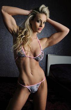 IFBB Pro Bikini - Noemi Olah