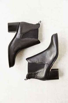 Sam Edelman Justin Hold Gore Chelsea Boot - Urban Outfitters