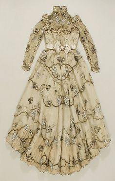 Jacques Doucet evening dress 1897-1900. Made with silk, lace, tulle, beads sequin paillette and embroidered.