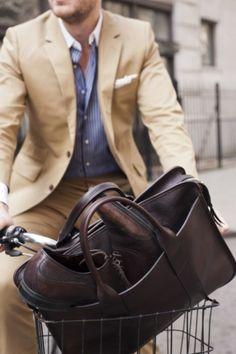 #MensFashion #Gentleman #Men #Fashion #Suit #Jacket #SingleBreasted #Shirt #Bag #Bike #Pocketsquare #Lapels #Vents #SleeveButtons #Trousers #Cuffs #Fabrics #GoodLooking #Elegance