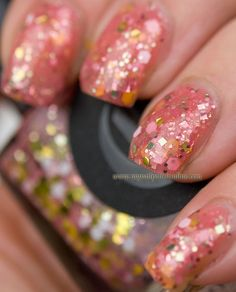 Polish Your Nails Like This