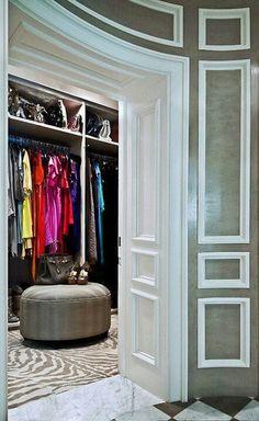6. Comfy closet seating #organizedliving #organizedcloset
