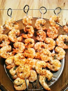 Grilled Shrimp. Leave off the red onion while on program, use green instead or onion powder. Would be good with some lime juice. #MetabolicResearchCenter