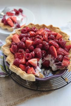 No Bake Sour Cream Berry Pie - Country Cleaver