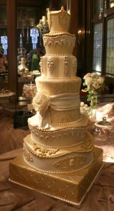 lace and gold carved cake