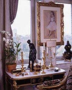 New York living room of Howard Slatkin.