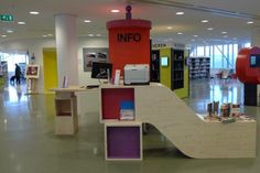 Very cool Information desk--talk about creative!  Bibliotheek De Tweede Verdieping-NL