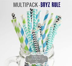 Vintage paper straws with fun designs.  A pack of 25 is only $2.99!