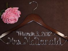 love this hanger. its the only one ive seen that incorporates the date too!
