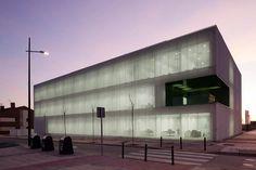 Centro de servicios sociales en Móstoles  By dosmasunoarquitectos