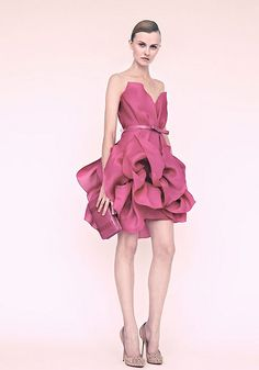 Love the colour and the dress. Perfect for a dinner ball.