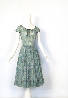 Claire McCardell Dress / Vintage 1950s Dress / 50s Dress / Green Paisley / Bohemian Dress / XS. $325.00, via Etsy.  Love this!!!