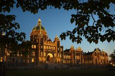 The Legislative Building in Victoria, B.C.'s haunted capital! Click to learn more about our haunted places. #VictoriaBOO