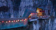 Restaurant near Sanyou Cave above the Chang Jiang river, Hubei , China.